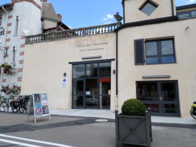 -  - Office de Tourisme