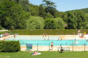 -  - Camping communataire d'Azé
